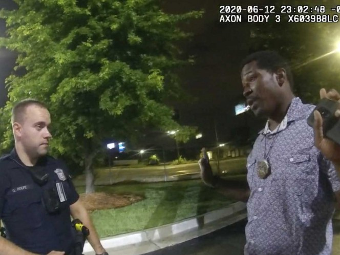 Determinan 'homicidio' en muerte de afroamericano Rayshard Brooks a manos de policía en Atlanta
