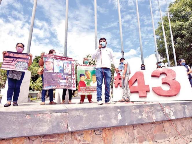 El pasado miércoles, estudiantes protestaron en Chilpancingo en contra de un amparo que lograron el exalcalde Abarca y su esposa. Foto: Archivo/Cuartoscuro