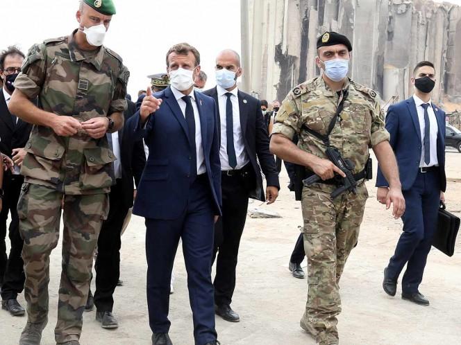 Macron vuelve a Líbano y amaga con sanciones