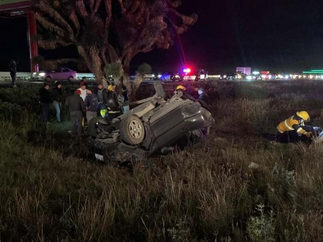 Un menor de edad fallecido y tres personas lesionadas fue el saldo que dejo un accidente de tránsito sobre la carretera federal México-Pachuca. Foto: Especial
