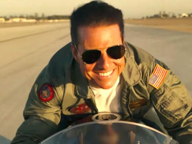 Tom Cruise recibe certificado de aviación naval honorífico por su papel en 'Top Gun'