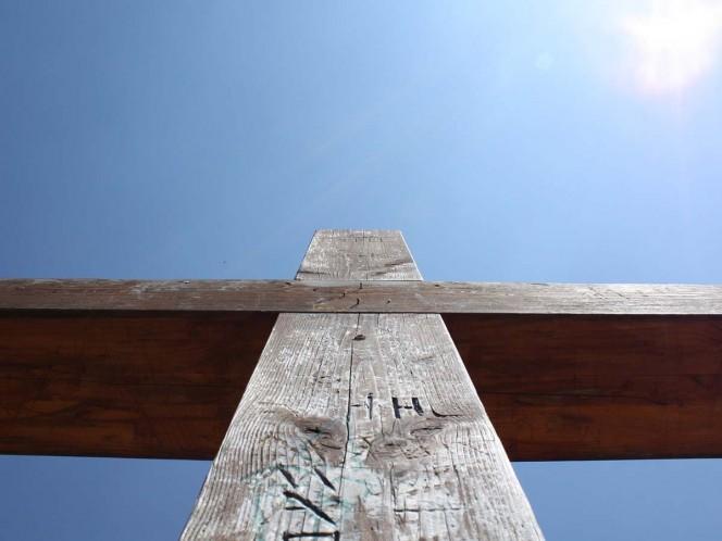 Encuentran restos de hueso y madera en clavos; podrían ser de Jesucristo