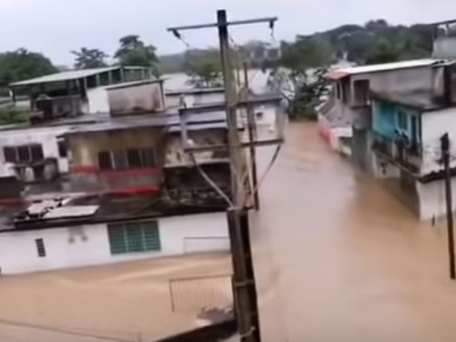 Se desborda río e inunda cabecera municipal en Chiapas