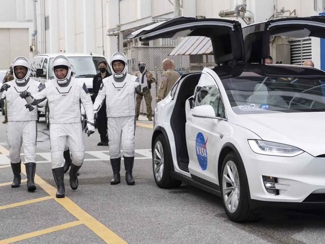 Posponen lanzamiento de SpaceX por mal tiempo; será el domingo