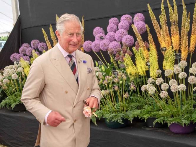 Príncipe Carlos cumple 72 años entre enfermedades y problemas familiares