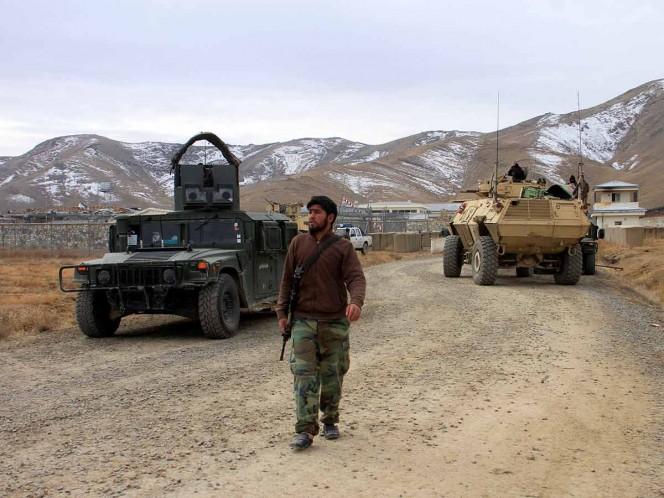 Atentado contra base militar deja al menos 30 muertos en Afganistán