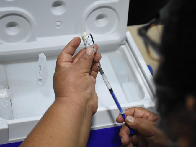Hugo López-Gatell Ramírez, subsecretario de Prevención y Promoción de la Salud, señaló, que quienes presentaron alergias no serán vacunados con la segunda dosis.