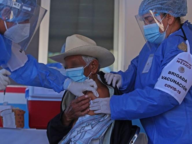 Un centenar de miembros de esta etnia, una de las más representativas del país por su cultura, recibieron el viernes el inmunizante chino CanSino Biologics, que requiere una única dosis