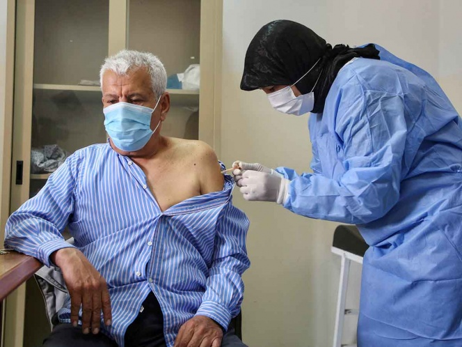 Lo que debes saber sobre los efectos secundarios de las vacunas covid