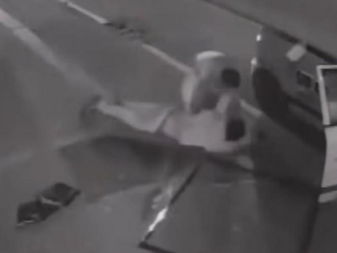 Ladrón se desmaya en pleno atraco y cae desde segundo piso