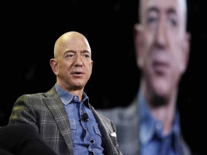 Jeff Bezos, la cabeza en el espacio pero los pies en la tierra. Noticias en tiempo real