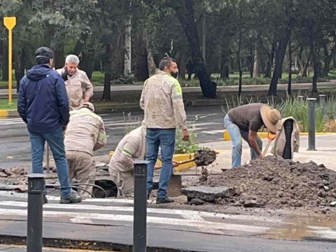 Fuga de agua provoca encharcamientos en Polanco