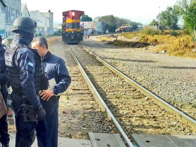 Detienen a 29 maestros de la CNTE por bloquear vías del ferrocarril