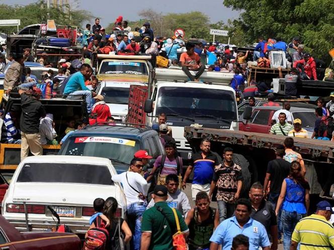 Más de 4 millones de venezolanos han huido de Maduro, reportan