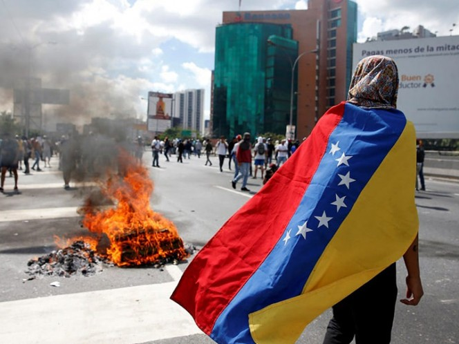 Sector financiero advierte de riesgos por operaciones con Venezuela