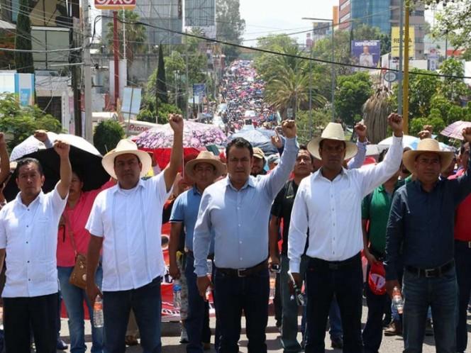 Maestros ratifican paro en Oaxaca; padres piden que autoridades actúen