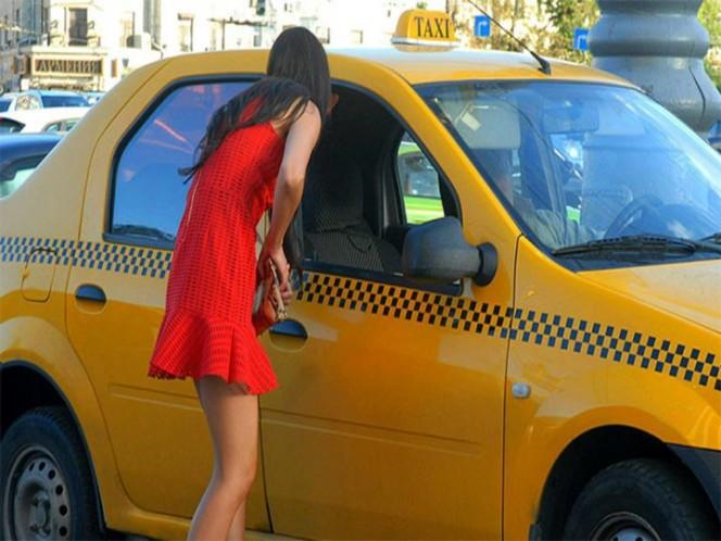 Taxista viola a mujer dos veces pero al final la lleva a casa