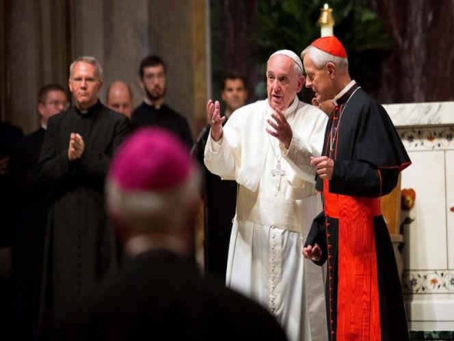 Papa Francisco acepta renuncia de cardenal acusado de encubrir abusos