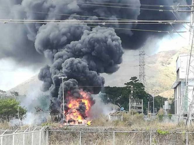 Incendio consume planta eléctrica en Venezuela