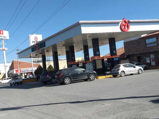 Persiste desabasto de combustibles en Saltillo y Parras, Coahuila