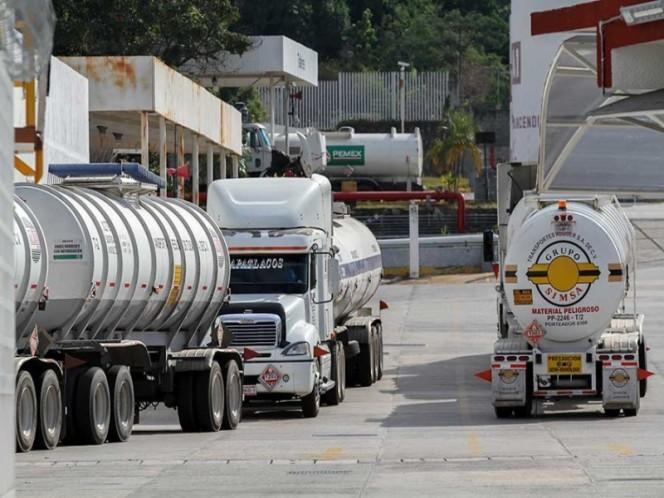 Distribuirán gasolina en auto-tanques custodiados por la Policía Federal