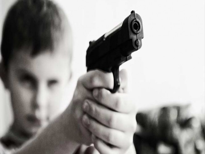 Incautan pistola a niño de 6 años en escuela de Estados Unidos