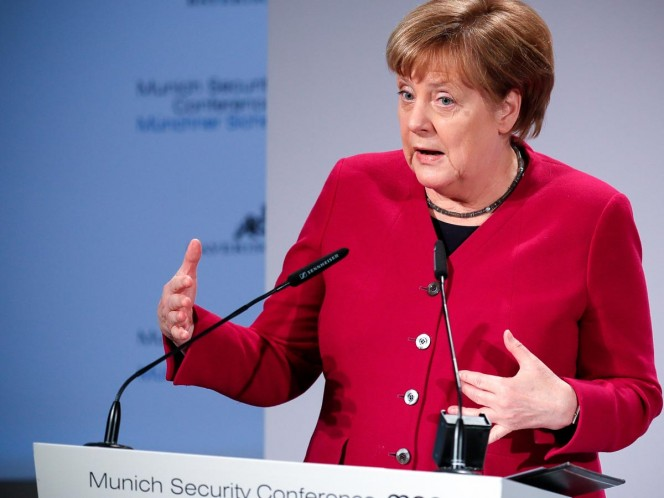 Rechaza Merkel petición de EU de abandonar acuerdo nuclear iraní