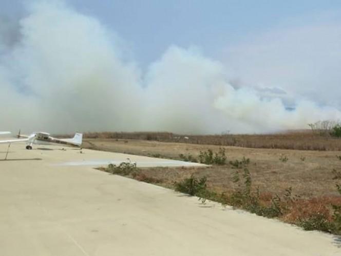 Incendio alcanza la pista del Aeropuerto Ángel Albino Corzo
