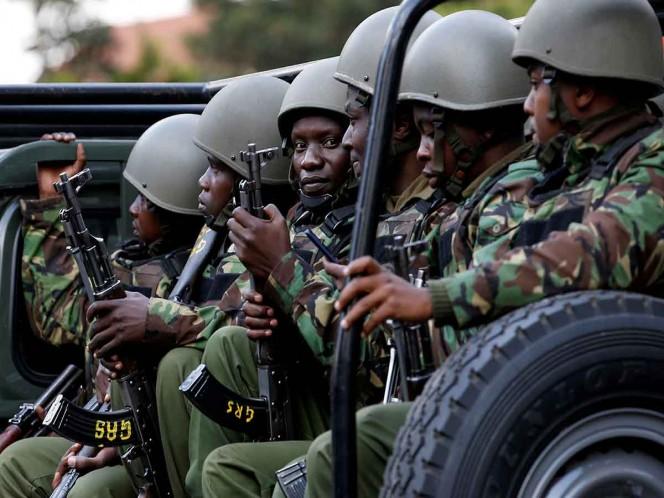 Explosión de bomba deja ocho policías muertos en Kenia