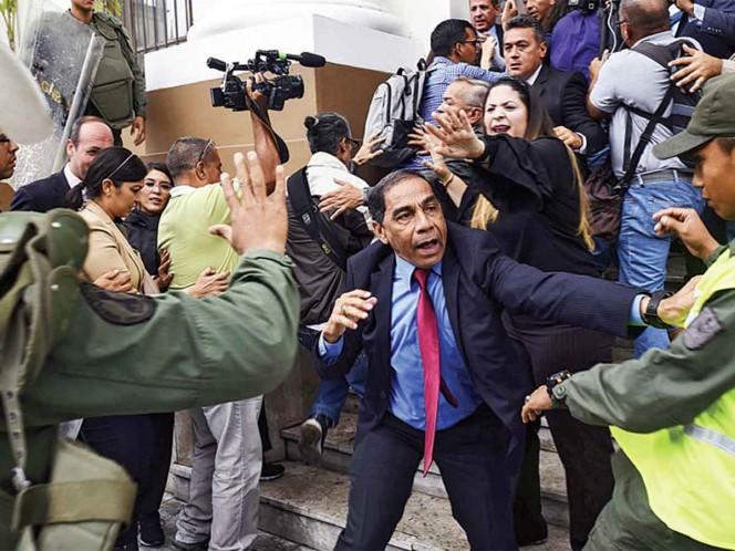 Investigan a delegados de Guaidó por malversación