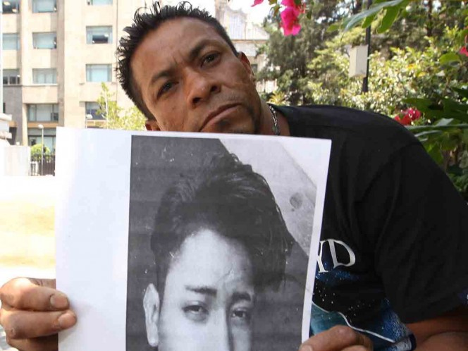 Busca a sus 2 hijos desaparecidos; amenaza con suicidarse