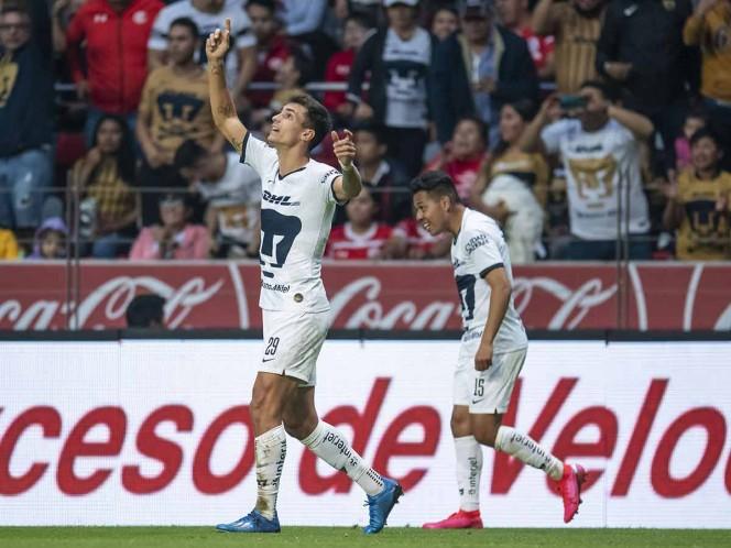 Pumas remonta y toma la cima en Toluca