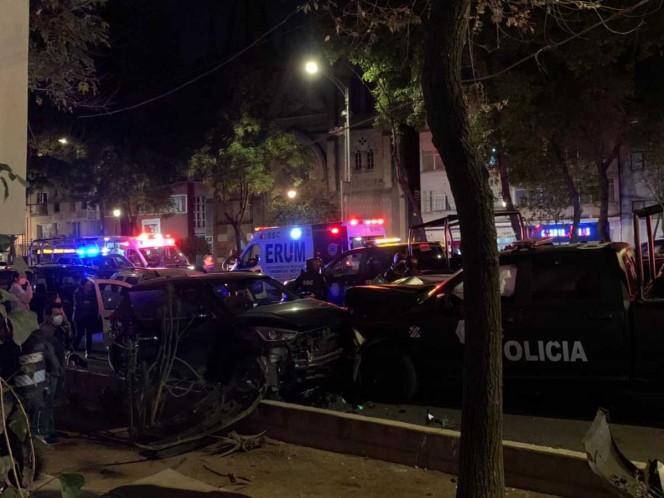 Fuerte choque entre patrulla y 4 vehículos deja un muerto