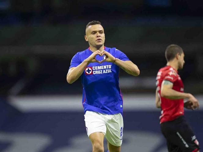 Cruz Azul alcanza las 10 victorias consecutivas