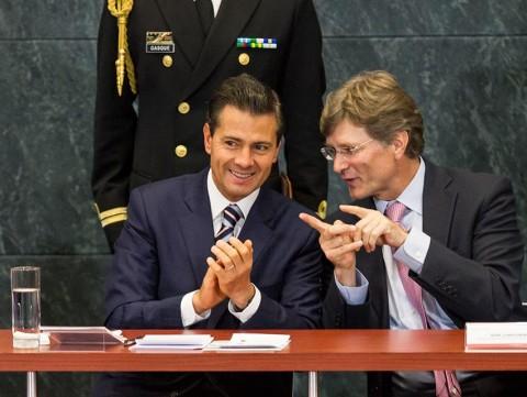 Candidato presidencial del PRI se definirá en noviembre. Con López Dóriga