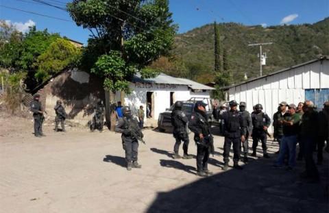 Guerrero - FFAA Federales Asumen la Seguridad en 13 Municipios de Guerrero. 1816003