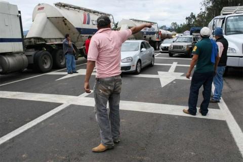 Vuelca camión de la Armada en Chiapas; 21 marinos heridos. 1967785