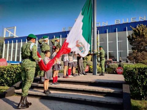 Feliz 101 Aniversario del Ejercito Mexicano - Página 2 2101078