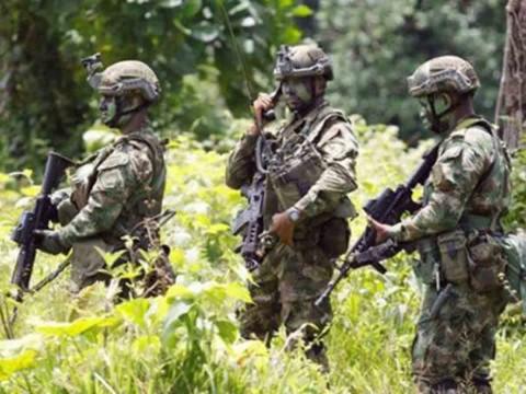 Fuerzas Armadas de Colombia - Página 5 2212510
