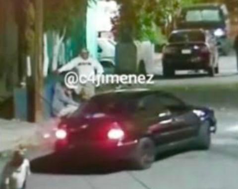 Desde un vehículo asesinan a joven en Iztapalapa