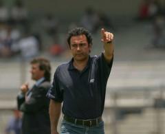 Hugo Sánchez abre la puerta para dirigir a Cruz Azul
