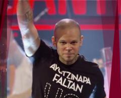 Calle 13 alza la voz por Ayotzinapa