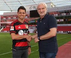 Bayer Leverkusen oficializa el fichaje de 'Chicharito'