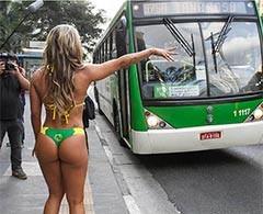 Miss Bumbum viaja en tanga en autobús de Sao Paulo