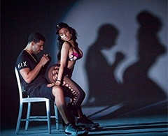 Nicki Minaj erotiza a Drake en el video de 'Anaconda'