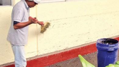 Hombres ganan más en trabajo doméstico; mujeres perciben mil pesos menos